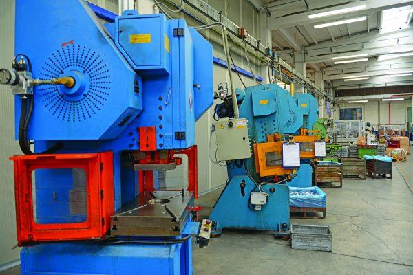 Ficco: progettazione e produzione minuterie metalliche e plastiche per l'industria del mobile - imballaggio prodotti